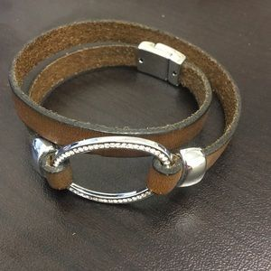 Jewelry - Brown wrap bracelet with magnetic clasp
